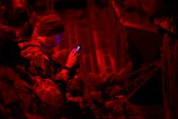 Esercitazioni NATO: i soldati britannici lasciano smartphone e tablet a casa per evitare lo spionaggio nemico