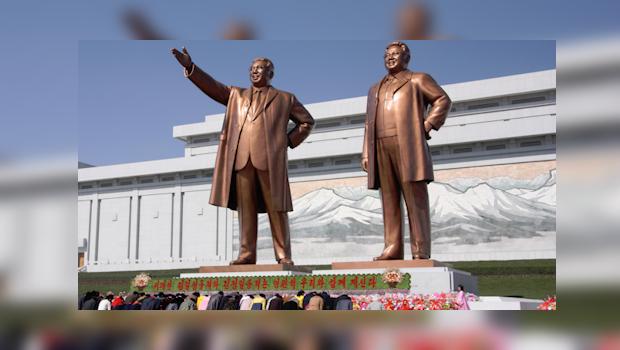 Corea del Nord, statue del Grande Leader Kim Il-sung e del Caro Leader Kim Jong-il