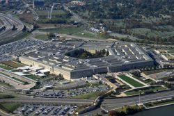 Il Pentagono mette al bando software russi e cinesi